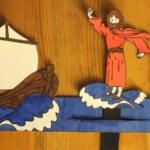Isus hoda po vodi - model